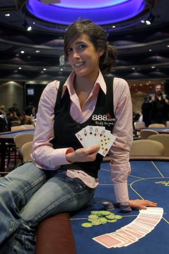 Leo Margets jugando al poker